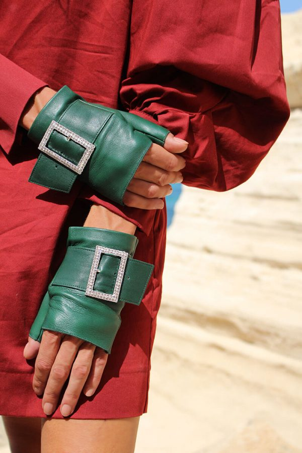 mitones-guantes-piel-hebilla-piedras-strass-Audrey-emeral-verde-Armèlle-Spain-2