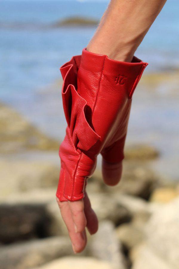mitones-guantes-elegantes-piel-cuero-Giorno-rojo-Armèlle-Spain-3