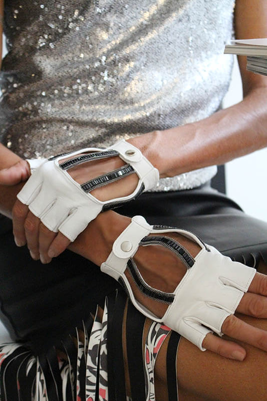 mitones-detalles-extravagantes-accesorios-lujo-moda