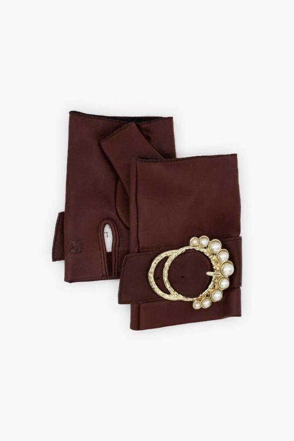 Guantes-sin-dedos-lujo-cuero-perla-burdeos-hebilla-perlas-Armèlle-Spain-3