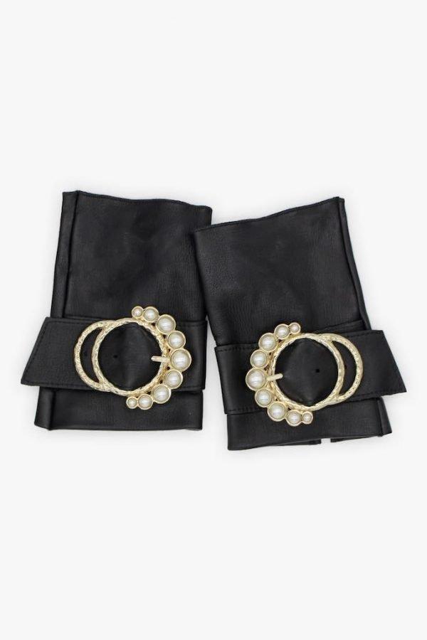 Guantes-sin-dedos-lujo-piel-perla-negro-hebilla-perlas-Armèlle-Spain-2